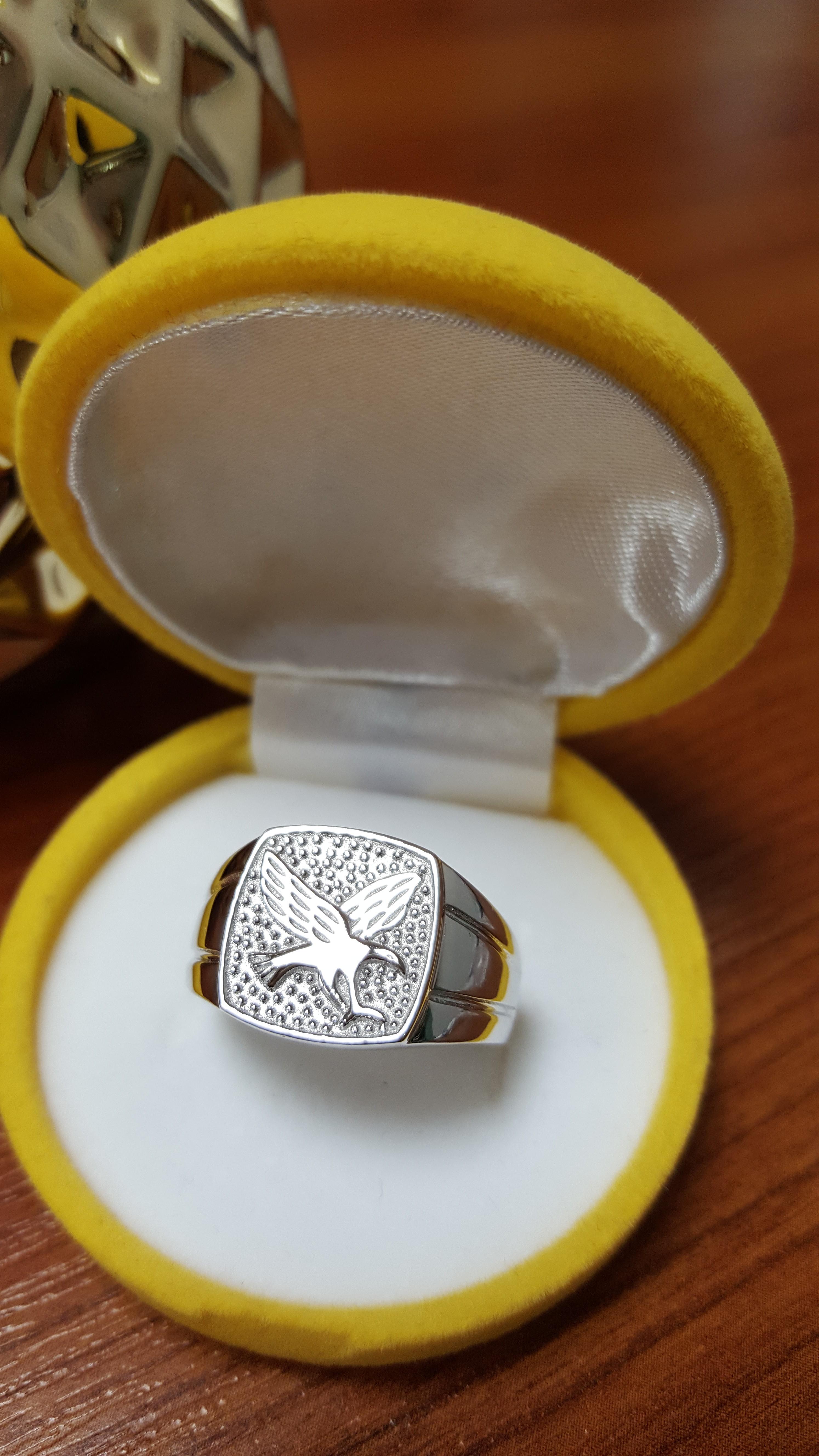 Strieborný prsteň. €44.85. Pánsky pečatný ... 81c5ea07a57